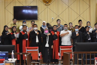 Mahasiswa Fakultas Hukum UPNVJ,   Raih Juara 3 National Moot Court Competition Anti Money Laundering VI 2021