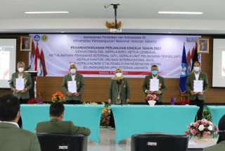 UPNVJ Gelar Penandatanganan Perjanjian Kinerja Tahun 2021